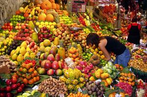 Fruit_Stall_in_Barcelona_Market web